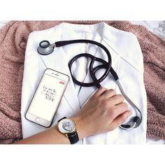 Motivation, Organisation und Produktivität im Medizinstudium! Med Doctor, Foto Doctor, Girl Doctor, Medical Students, Medical School, Nurse Aesthetic, Medical Photography, Medical Quotes, Med School