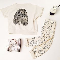 Cool styling from Ministyling @ CITYMOM.nl Bobo Choses Baggy Sweater Tee // Converse Shoes // CarlijnQ Milk Baggy Pants