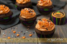 Cupcakes di Halloween al cioccolato golosi dolcetti americani per la festa di Halloween. Ricetta facile, veloce, divertente da preparare, i bimbi li adorano