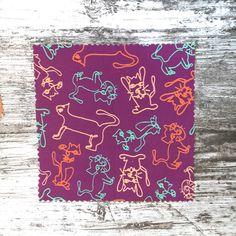 Süßes verspieltes humorvolles Musterdesign mit Katzen im Linienzeichnungsstil. Einfach aber trotzdem auffällig. Multidirektional, verstreut. Geeignet für sommerliche verspielte DIY Näh-Projekte wie Hingucker Oberteile oder Röcke. Unterschiedliche Stoffqualitäten zur Auswahl in meinem Spoonflower Shop.