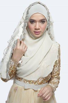 Portrait of Diana Amir by Husni Kick on 500px