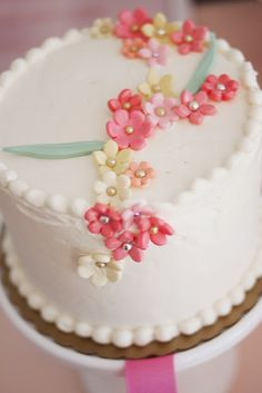 Love this cake at a sip and see baby shower via Kara's Party Ideas @HUGGIES Baby Shower Planner