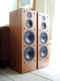 Beautiful INFINITY Crescendo CS 3007 Bi-Wire/Bi-Amp Speakers in Oak MSRP $1,250