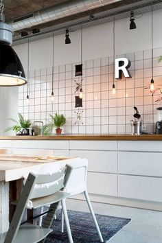 Industrial Decorating Ideas Perfect For Any Home Industrial interior design is a fabulous way to express yourself and improve the look of your home. In every corner of every room you can add splashes of color, pattern and shapes to d Industrial Interior Design, Industrial House, Industrial Style, Industrial Kitchens, Vintage Industrial, Kitchen Interior, Kitchen Design, Kitchen Decor, Home Design