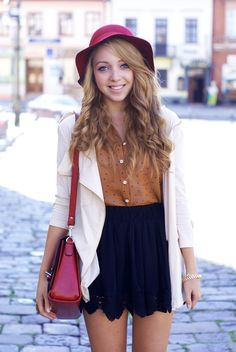 Love this casual Spring look - skirt, blouse, loose blazer, and RED bag!