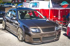 Pat's custom Jetta on airride representing the crew at PG Performance. Love this color So much metallic!
