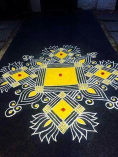 Rangoli Rangoli Borders, Rangoli Colours, Rangoli Border Designs, Rangoli Patterns, Rangoli Ideas, Indian Rangoli, Rangoli Designs Diwali, Diwali Rangoli, Easy Rangoli