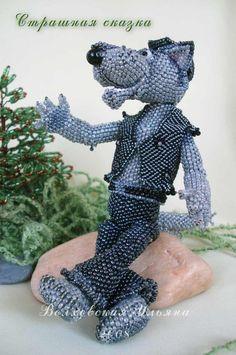 Amazing beaded toys by Ulyana Volhovskaya