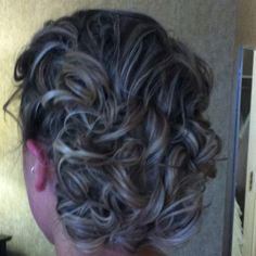 ok so how do I get my naturally curly hair to look like this? Cute Hairstyles, Wedding Hairstyles, Hair Dos, Prom Hair, Type 1, New Hair, Naturally Curly, Hair And Nails, Random Things