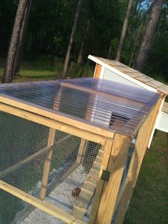 DIY Chicken Coop >> Fabulously Vintage
