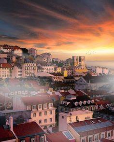 """Lisboa ✦ Lisbon ✦ SUPER LISBOA (@super_lisboa) no Instagram: """"Lisboa   Portugal Photo: @dorpell #super_lisboa #portugal #lisboa #lisbon #porto #oporto #acores…"""""""