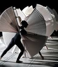 Rami Be'er's ballet 'Upon reaching the sun', danced by the Kibbutz Contemporary Dance Company에 대한 이미지 검색결과