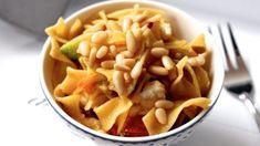 Potřebujete rychlý a chutný oběd? Vyzkoušejte tyto 15-minutové recepty z kuřecích řízků. Jsou vynikající a hlavně hned hotové – mujrecept Macaroni And Cheese, Cherry, Ethnic Recipes, Mac And Cheese, Prunus