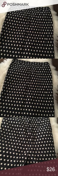 Banana Republic  Pencil Skirt! Navy Blue w/white polka dots pencil skirt!  Banana Republic 💖 Banana Republic Skirts Pencil