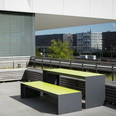 Straightforward, simple and durable design by miramondo. Thanks Geert Wolters for this cool pic! Green Furniture, Outdoor Furniture Sets, Outdoor Decor, Landscape Plans, Landscape Architecture, Exterior Design, Cool Stuff, Street, Simple