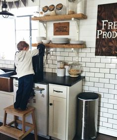 DIY Farmhouse Kitchen Makeover: All the Details | Blogger Home ... on
