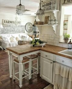Modern Design farmhouse kitchen color Ideas - get started subsequent to ideas from our kitchens color, painted in shades of blue, green, red, yel - New Kitchen, Vintage Kitchen, Kitchen Modern, Cozy Kitchen, Cottage Kitchen Counters, Farm House Kitchen Ideas, Butcher Block Countertops Kitchen, Small Cottage Kitchen, Rustic Kitchen Cabinets