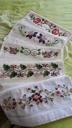 Etamin işlemeli havlu kenarları ve şemaları - Just Cross Stitch, Cross Stitch Borders, Cross Stitch Flowers, Cross Stitch Designs, Cross Stitch Patterns, Hardanger Embroidery, Cross Stitch Embroidery, Embroidery Patterns, Hand Embroidery
