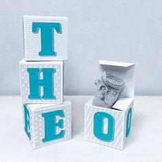 Cubes lettres prénom en carton épais et tissu imprimé pour chambre d'enfant, range tetine, boîte à dents de lait, : Autres par ideecreation
