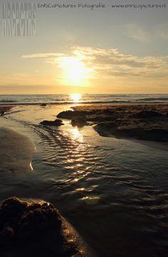 Bijna zonsondergang aan de Noordzeekust bij Groote Keeten,Noord-Holland, Nederland/the Netherlands