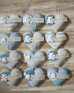 idea for decoration Felt Crafts, Diy And Crafts, Sewing Projects, Projects To Try, Fabric Hearts, Baby Shawer, I Love Heart, Pin Cushions, Little Gifts