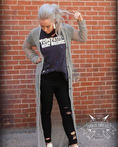 Urban Threads #hottest graphic tee paired with our distressed Cello skinnies is a #LOOK  #UrbanThreadsOKC
