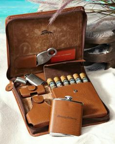 If I smoked Cigars, I would want this! Weekend Leather Cigar Case I don't smoke cigars and I still want this Cigars And Whiskey, Good Cigars, Pipes And Cigars, Zigarren Lounges, Leather Cigar Case, Leather Tobacco Pouch, Cigar Cases, Cigar Room, Cigar Smoking