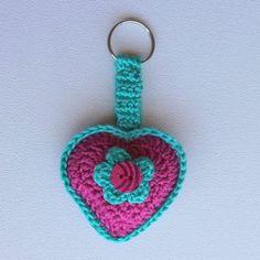 Hartjie Sleutelhouer - Pienk en Turkoois / Heart Key Chain - Pink and Turquoise - Die Boervrou Crochet Earrings, Chain, Heart, Pink, Jewelry, Products, Jewellery Making, Jewels, Jewlery