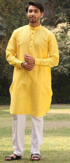 Haldi Ceremony Outfit Ideas For Men This Season Indian Men Fashion, Mens Fashion Blog, Fashion Styles, Indian Gowns, Pakistani Dresses, Groom Dress, Men Dress, Pink Bridal Lehenga, Function Dresses
