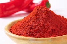 Pulberea mineralizată de ardei iute este un remediu rapid şi puternic, ce stimulează şi revigorează organismul.