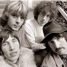 Roger Waters / Richard Wright / Syd Barrett / Nick Mason Pink Floyd at Sausalito, CA, 1967 Barrett, David Gilmour Pink Floyd, Richard Wright, Psychedelic Music, Roger Waters, Popular Music, Classic Rock, Rock Music, 70s Music