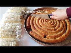 EL AÇMASI SANILAN HAZIR YUFKAYLA UNLU ÇITIR BÖREK (BAYRAM HAZIRLIĞI:) - Paçikanın Mutfağı - YouTube Sully Cake, Food Tags, Recipe Mix, Turkish Recipes, Vegan Recipes Easy, Soup And Salad, Vegan Vegetarian, Cookie Recipes, Bakery