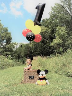 Photography baby birthday mickey mouse 69 New ideas Mickey 1st Birthdays, Mickey Mouse First Birthday, Mickey Mouse Clubhouse Birthday Party, 1st Boy Birthday, Fiesta Mickey Mouse, Mickey Mouse Parties, Mickey Party, Disney Parties, 1st Birthday Pictures
