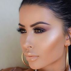 The flawless @amrezy wearing our #MeetMatteTrimony eyeshadow palette! #theBalm #amrezy