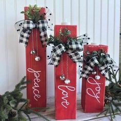 24 Best And Classic Collection Of Plaid Christmas Decor * aux-pays-des-fleu. - 24 Best And Classic Collection Of Plaid Christmas Decor * aux-pays-des-fleu… - Christmas Wood Crafts, Plaid Christmas, Homemade Christmas, Holiday Crafts, Christmas Wreaths, Natural Christmas, Christmas Blocks, Christmas 2019, Christmas Wooden Signs