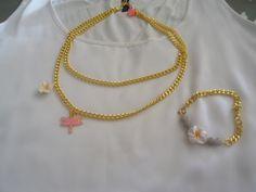 Διακριτικό και παράλληλα εντυπωσιακό κοντό κολιέ με δύο αλυσίδες , λιβελούλα με σμάλτο και λουλουδάκι Handmade Jewelry, Gold Necklace, Fashion, Moda, Gold Pendant Necklace, Handmade Jewellery, Fashion Styles, Jewellery Making, Diy Jewelry