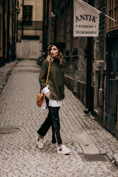 Fashion Week Outfit for Stockholm & Kopenhagen | street style | labels: Lala Berlin, statement sleeves blouse from Edited