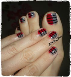 Red & gray nails