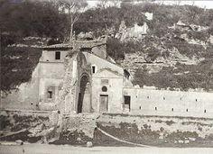 Via Marmorata – Arco e chiesetta di San Lazzaro. Anno: 1890-1900