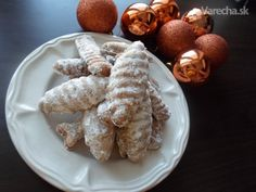 Medvedie labky (fotorecept) Slovak Recipes, Russian Recipes, Christmas Baking, Christmas Cookies, Slovakian Food, Le Chef, Mousse, Biscuits, French Toast