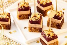 Sweet / savory foie gras, gingerbread, pepper and candied pear - Garrard Sewter Dairy Free Chocolate Cake, Chocolate Treats, Vegan Chocolate, Foie Gras, Easy Smoothie Recipes, Snack Recipes, The Best Toffee Recipe, Toast Noel, Tapas
