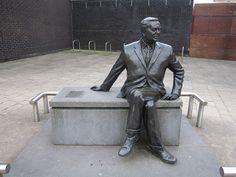 Harold Wilson, Public Art, Monuments, Statues, Liverpool, Garden Sculpture, Maps, Sculptures, Old Things