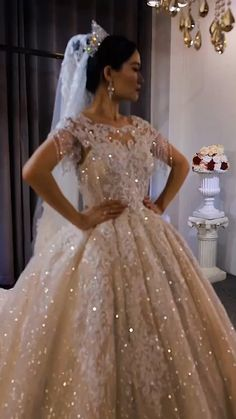 Fancy Wedding Dresses, White Wedding Gowns, Wedding Dress Train, Luxury Wedding Dress, Wedding Dress Trends, Dessy Bridesmaid, Bridesmaid Saree, Ball Gown Dresses, Prom Dresses