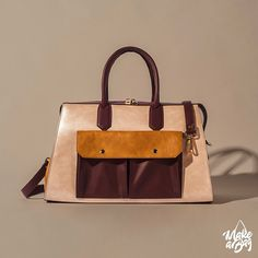 Keep it simple - but beautiful! And add some spacious outside pockets to carry all your important belongings! Unique Handbags, Popular Handbags, 2017 Design, Tool Design, You Bag, Longchamp, Bag Making, Satchel, Product Launch