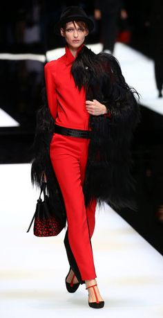 Milan's fashion week wraps up with Armani's expressive colors   Zhiboxs - Editorial, Fashion Show, Models.