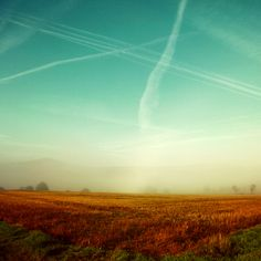 I love seeing contrails, and imagining where the planes full of people are off to....where their adventures will take them.