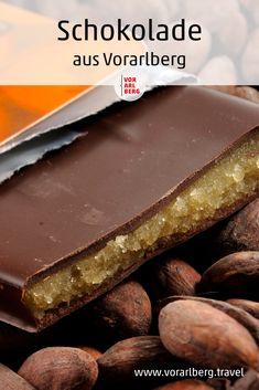"""Außergewöhnlich: Sämtliche Schokolade im Hause Fenkart wird von der Bohne weg selbst produziert. Gunther Fenkart als """"Maitre Chocolatier"""" verwendet für seine """"Craft Chocolate"""" ausgewählte Edelkakaos aus Kleinkooperativen. Alles über die handgemachte Schokolade aus Vorarlberg. Kakao, Ethnic Recipes, Desserts, Food, Handmade Chocolates, Road Trip Destinations, Vacation, Simple, Tailgate Desserts"""