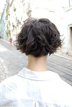 curly hair wedge cut