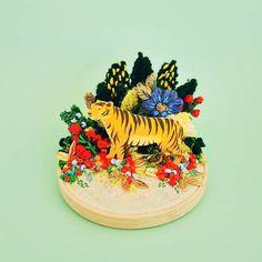 Josefina Jiménez (@jojimenez) • Fotos y vídeos de Instagram Arte Online, Rooster, Embroidery, Instagram, Birthday, Crafts, Animals, Blog, Floral Illustrations