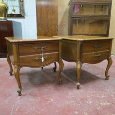 SOLD. SALE! NOW $150 / pair, was $295 / pair. vintage antique French style pair of walnut nightstands or side tables c. 1940. by Lane. curved banded top. what appears to be two drawers are actually one deep drawer. cabriole legs. original brass hardware. perfect for next to your bed or couch! very good condition.